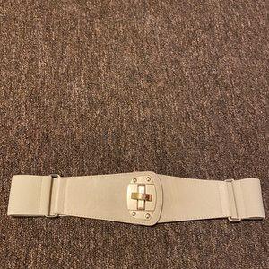 The Limited cream interlocking wide band belt